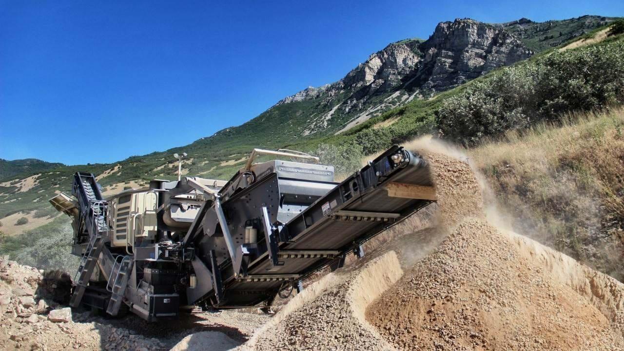 时产1000吨矿山尾矿制砂机价格